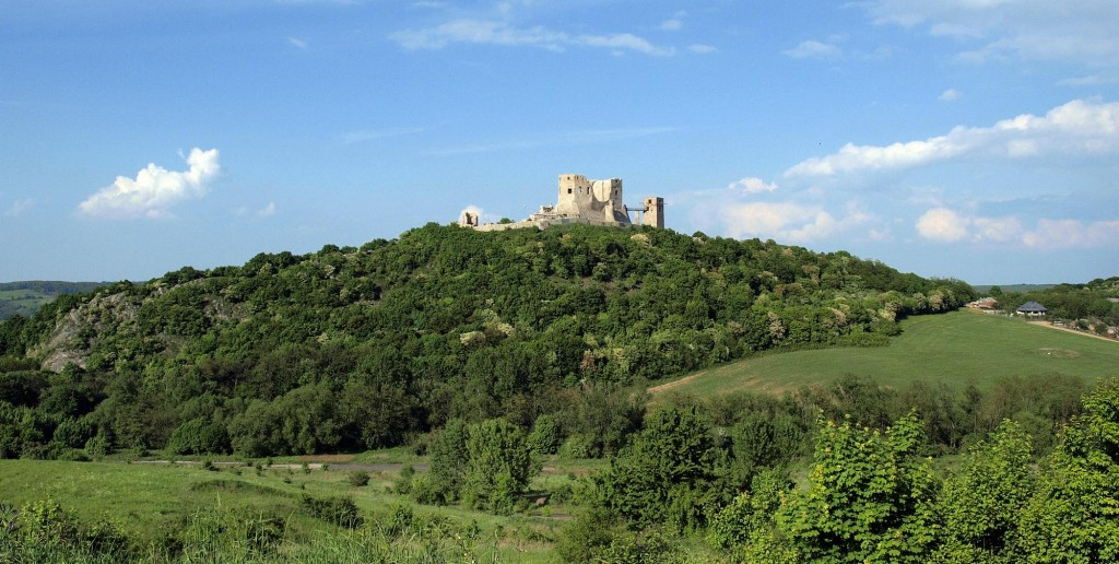 Fotó: Kirandulohelyek.com / Cseszneki vár